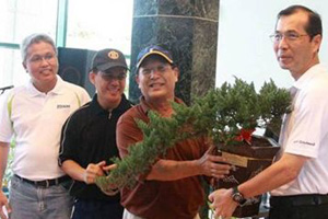 Tree planting by BlueScope China employees from Suzhou Lysaght (Sarawak)